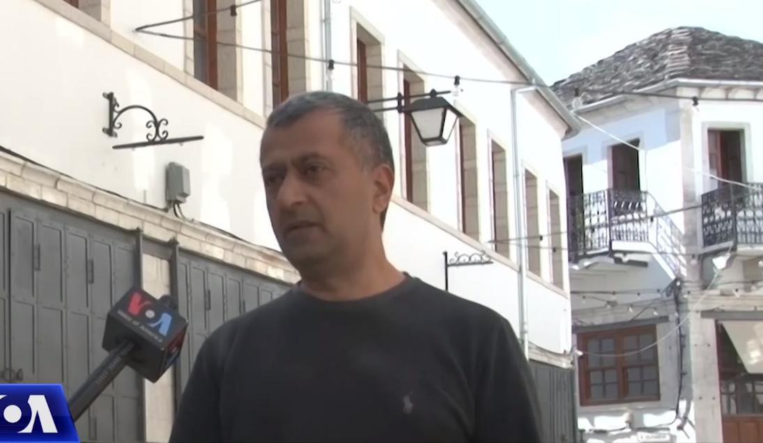 """Pandemia """"godet"""" artizanët në Gjirokastër: Si po përshtaten ata me klientët vendas"""