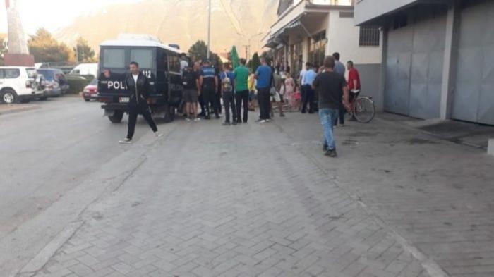 Transportonin emigrantë të paligjshëm, tre të arrestuar në Maliq