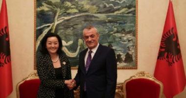 Ruçi zbardh takimin me ambasadoren amerikane: Çfarë diskutuan