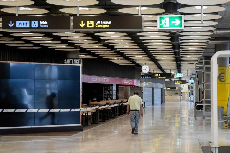 Spanjë, karantinë dy-javore për udhëtarët e huaj