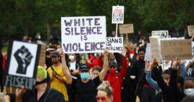 Sekretarja e shtetit në Britani bën thirrje: E kuptoj zemërimin, por ju lutem mos merrni pjesë në protesta