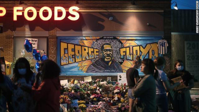 Miku i George Floyd rrëfen momentet e fundit të tij
