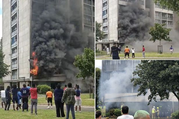 Ndërtesa 17-katëshe përfshihet nga flakët, alarmohen qytetarët në Londër
