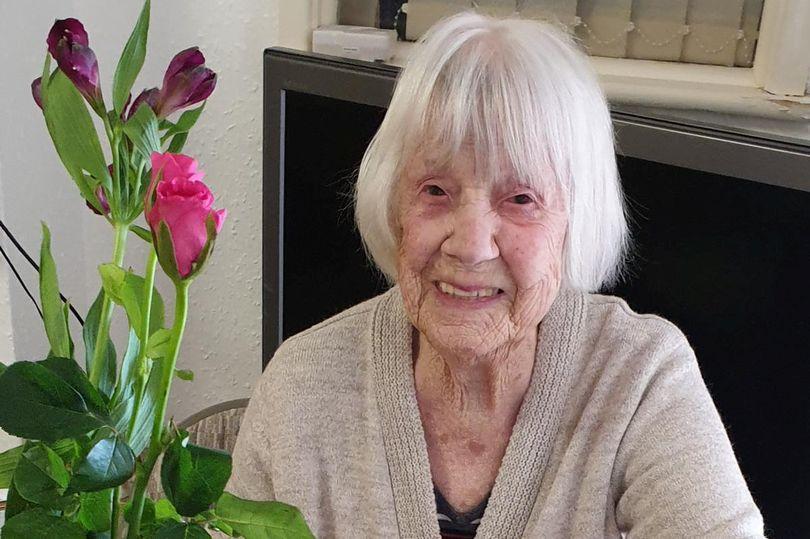 104 vjeçarja rrëfen sekretin e mposhtjes së koronavirusit