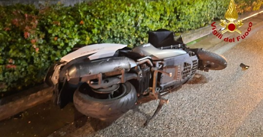 Vodhën motorçikletën, vdesin tragjikisht dy të rinj në Itali