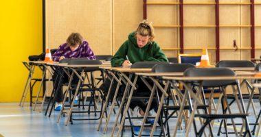 Mësuesit rezultojnë pozitivë me Covid 19, mbyllet shkolla në Holandë