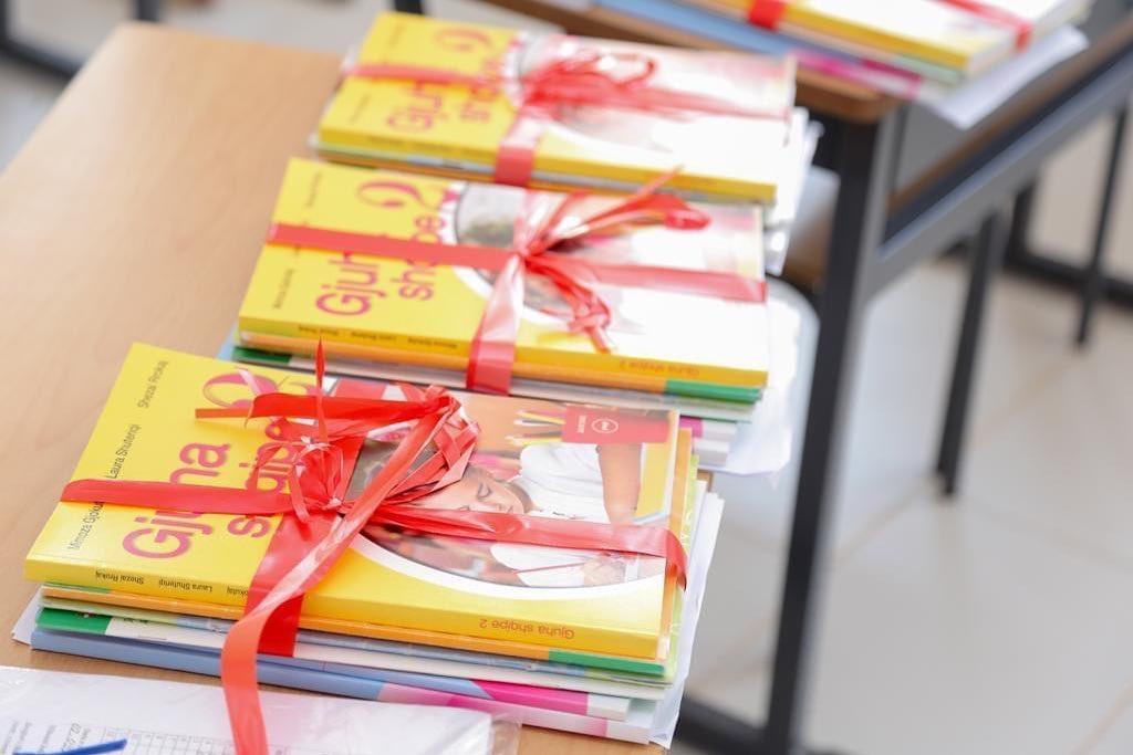 Miratohet propozimi: Libra falas për fëmijët në nevojë deri në klasën e 12-të