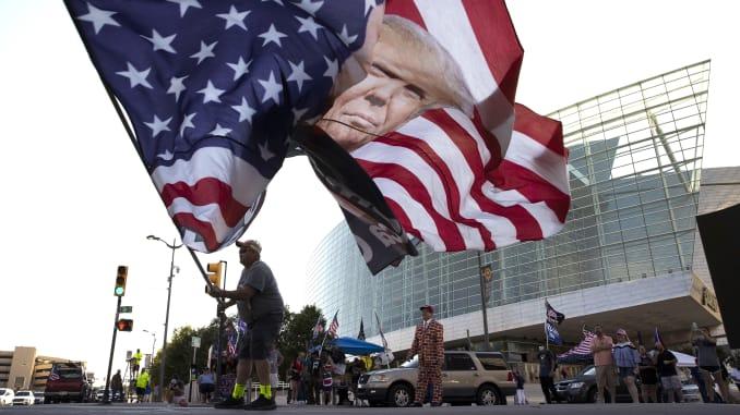 Gjykata vendos: Jo maskave me detyrim në fushatën elektorale të  Trump