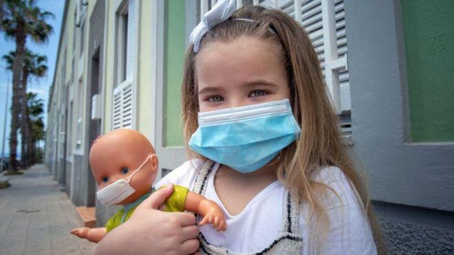 Studimi: Shumica e fëmijëve përjetojnë simptoma të buta të koronavirusit