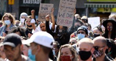 Vrasja e George Floyd: Sheshe të mbushura dhe mesazhe nga futbollistë, si po proteston Europa
