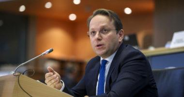 Komisioneri Varhelyi: Marrëveshja në dobi të qytetarëve, Shqipëria bëri hap të madh drejt BE-së