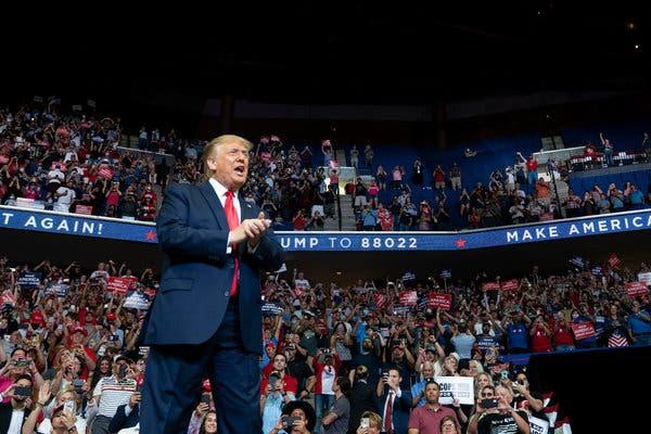 Dy punonjës të tjerë që morën pjesë në tubimin e presidentit Trump,  pozitivë me Covid 19