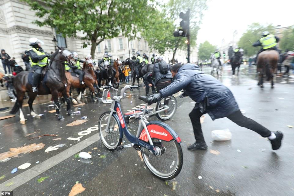 Vrasja e George Floyd, trazira gjatë protestës kundër racizmit në Londër