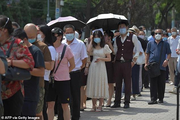 Eksperti kinez: Bota ende në valën e parë, Covid-19 do ndryshojë mënyrën si jetojmë përgjithmonë