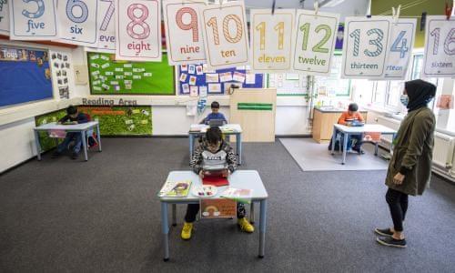 Prindërit po përballen me dilemën e dërgimit të fëmijëve në shkolla
