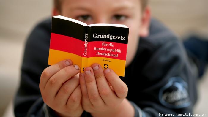 Propozimi i partisë së gjelbër në Gjermani: Të fshihet fjala racë nga kushtetuta e vendit
