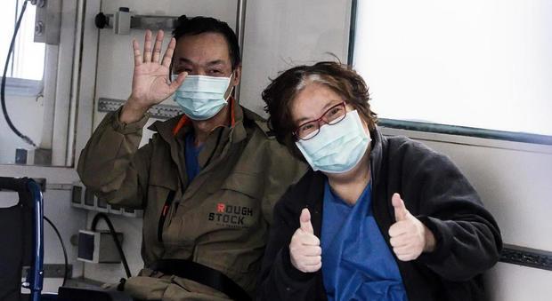 Pas terapisë intensive nga Covid-19, çifti kinez dhuron 40 mijë euro për spitalin