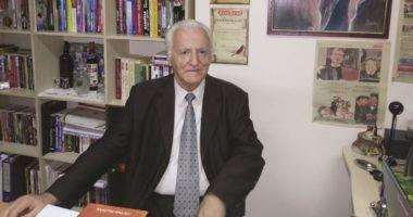 """""""U mësoi shqip amerikanëve dhe kinezëve"""", ndahet nga jeta albanologu Agron Fico"""