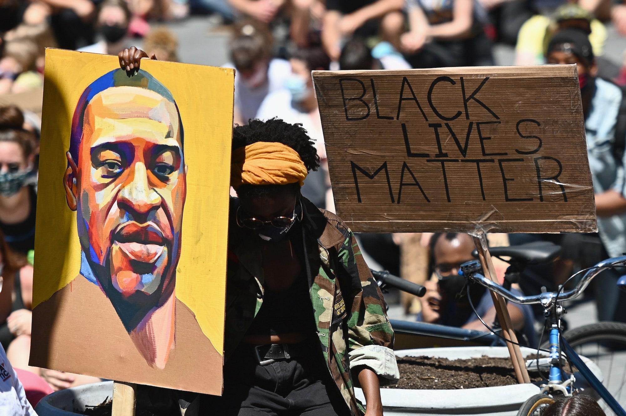 """Nuk mjafton vetëm slogani """"Jeta e njerëzve me ngjyrë vlen"""", racizmi nuk zhduket me kaq"""