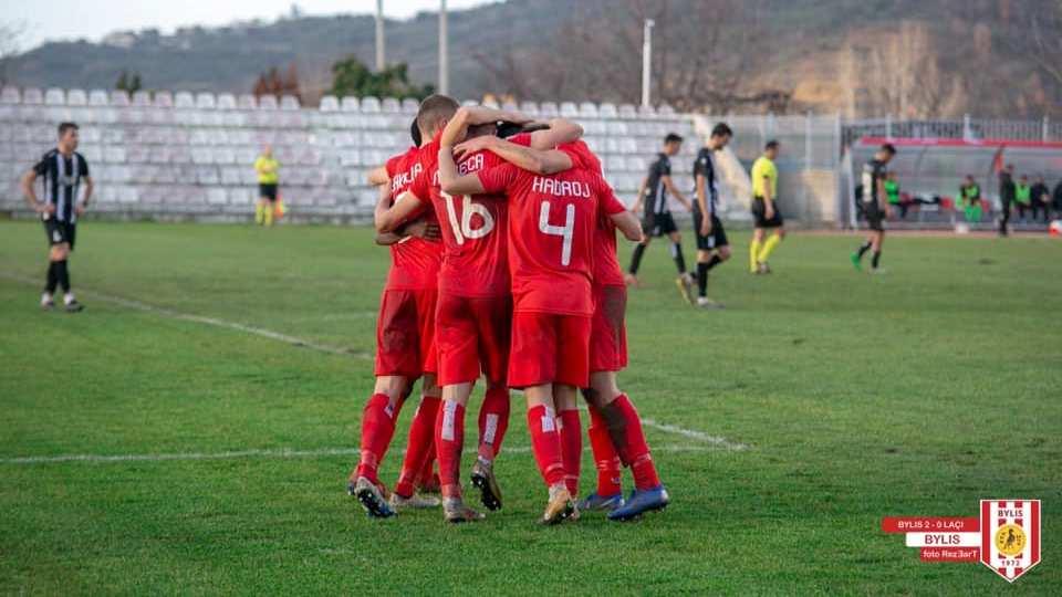 """Bylisi """"divorcohet"""" me shtatë lojtarë, dy rikthehen te Partizani"""