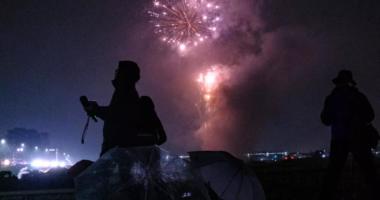 Spektakël fishekzjarresh kundër koronavirusit në Japoni: Largojnë sëmundjet dhe fatin e keq