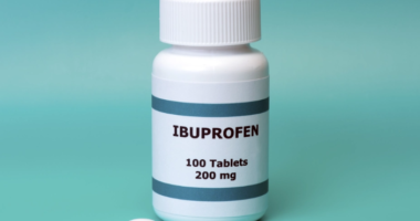 Ibuprofeni mund të ulë deri në 80% vdekshmërinë nga COVID-19