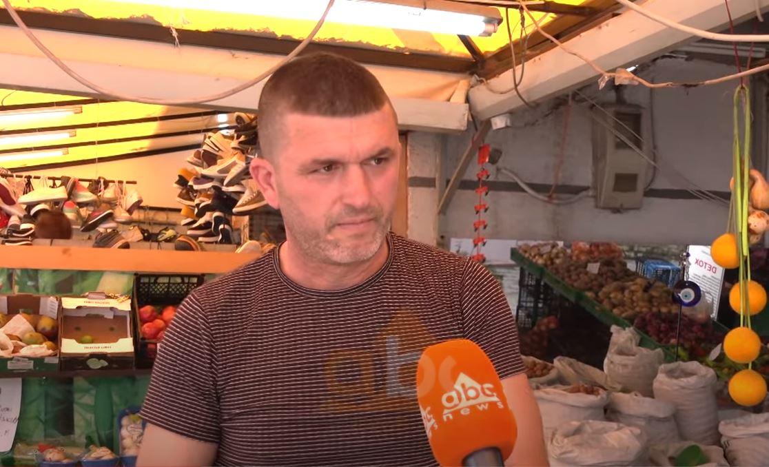 """Azilantët kthehen në """"makthin"""" e qytetarëve, tregtari: Më kanë vjedhur dhe kërcënuar disa herë"""