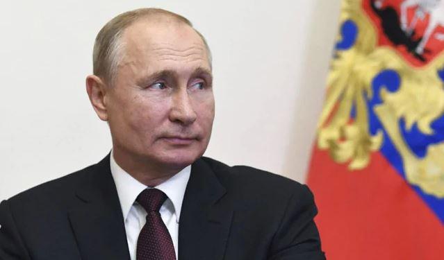Zbuloni mënyrën si Putin mbrohet nga koronavirusi