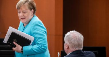 """""""Jo, absolutisht jo"""" Merkel e vendosur, nuk do të garojë për mandat të pestë"""