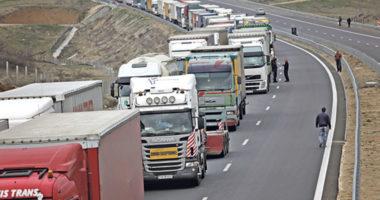 Hapja e kufijve, Kosova bën një hap pas, pezullohet taksa për dezifenktimin e kamionëve