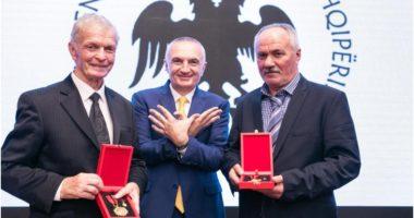"""Titulli """"Mjeshtër i Madh"""" për dy sportistë historikë, presidenti Meta i dekoron"""