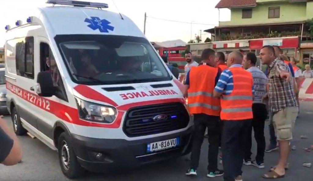 U përplas me makinë nga shoferja në Tiranë, humb jetën në spital 67-vjeçarja