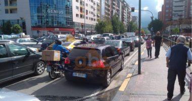 Tirana në normalitet, rikthehet zhurma dhe trafiku