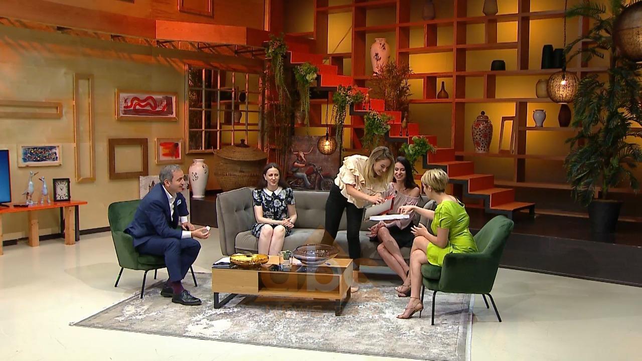 Surpriza e gazetares, ndan llokumen e fejesës në emisionin e Kel Demit