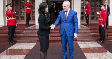Yuri Kim takon Metën në Presidencë