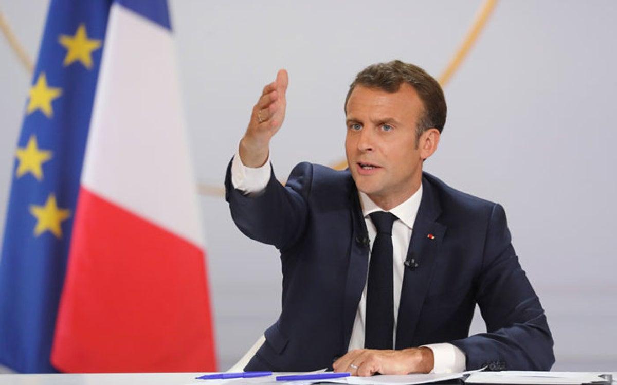 Presidenti francez protestuesve: Nuk do të fshimë historinë e vendit dhe as do rrëzojmë statuja