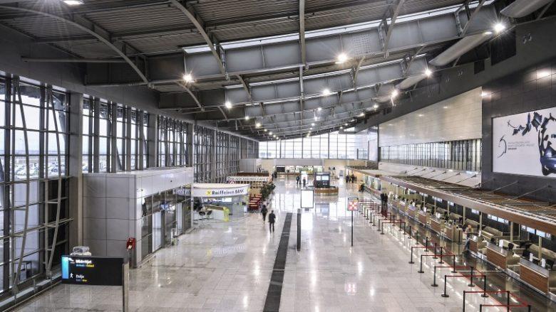 Aeroporti i Kosovës anulon të gjitha fluturimet e parashikuara për nesër