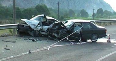 Përplasen makinat në Burrel, pesë persona të lënduar