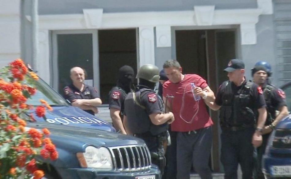 Mbërriti në spital me plagë plumbi, Ardian Çapja u tha mjekëve se është rrëzuar në shtëpi