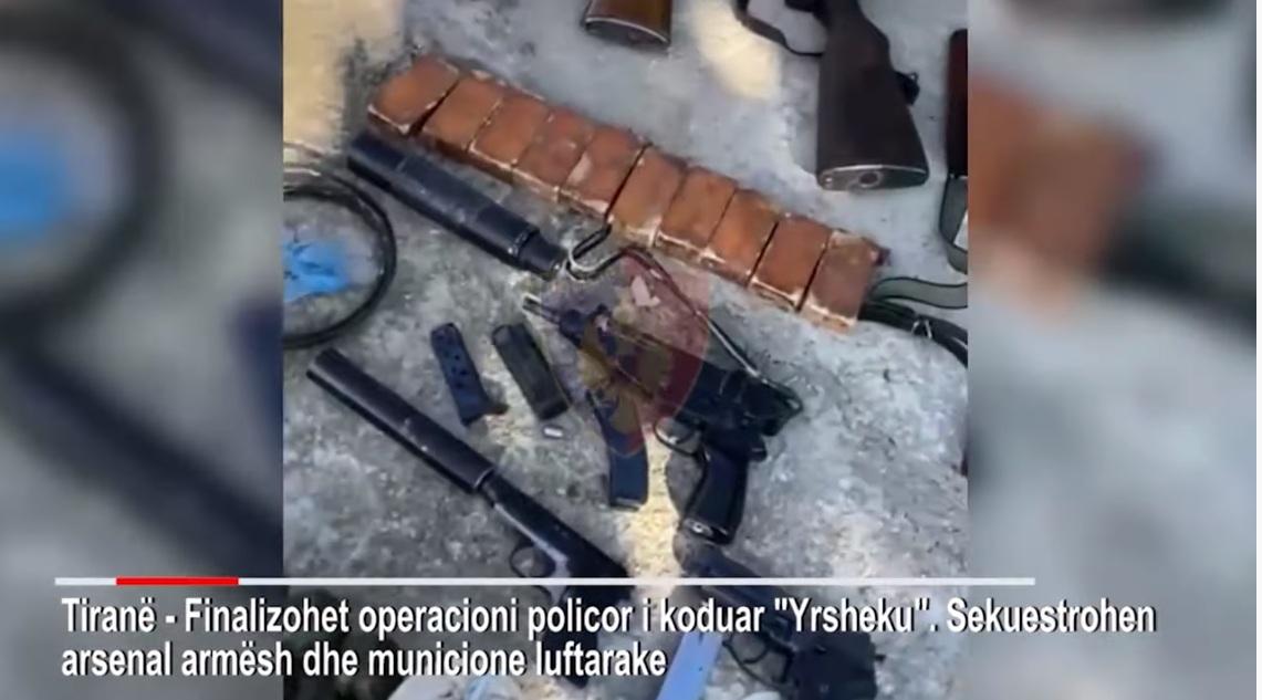 EMRI/ Policia i kapi arsenal armësh dhe një snajper, arrestohet tiranasi