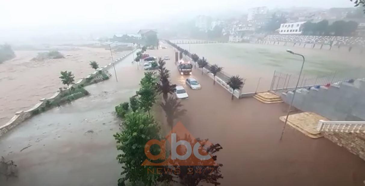 Përmbytje dhe reshje të shumta, ARRSH njofton situatën në aksin Elbasan – Librazhd