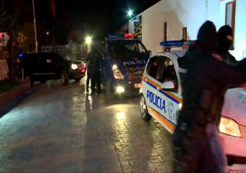 Kërcënoi biznesmenin dhe qëlloi me armë, identifikohet autori në Bulqizë