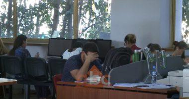 Biblioteka kombëtare rinis shërbimet, studiues dhe student: Duhej hapur më parë
