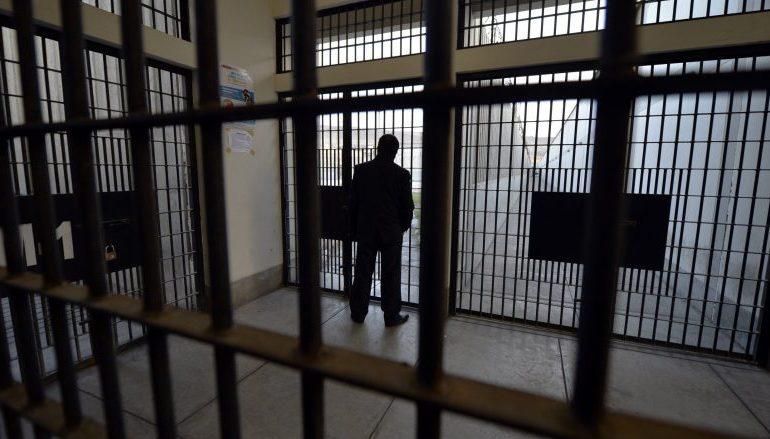 Kërcënoi gardianin e burgut, gjykata e Durrësit liron Saimir Gjepalin