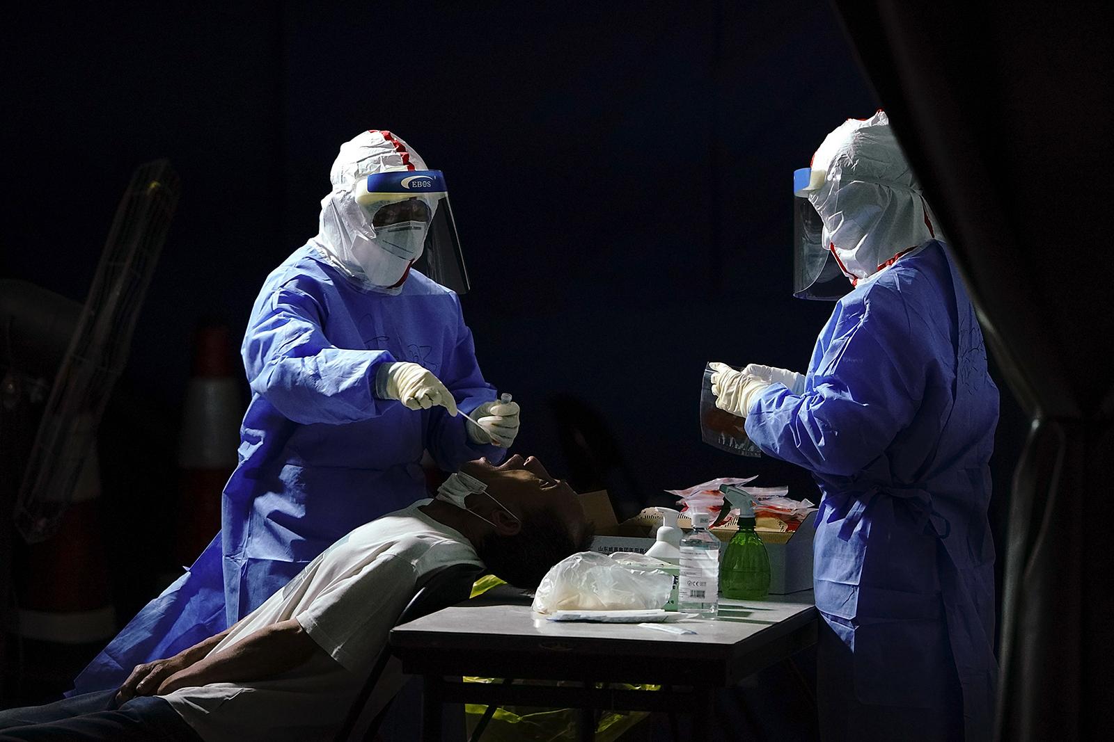 Koronavirusi i kthehet Kinës, regjistrohen vatra të reja jashtë Pekinit