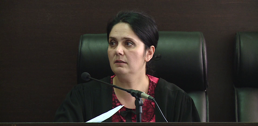 Liroi shumë të dënuar përjetë, mes tyre dhe Endrit Doklen,  ILD nis hetim ndaj gjyqtares