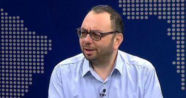 """""""Policia rri gjithë ditën dhe shikon çfarë botojmë në facebook"""", Kristo: Dështim i institucioneve"""
