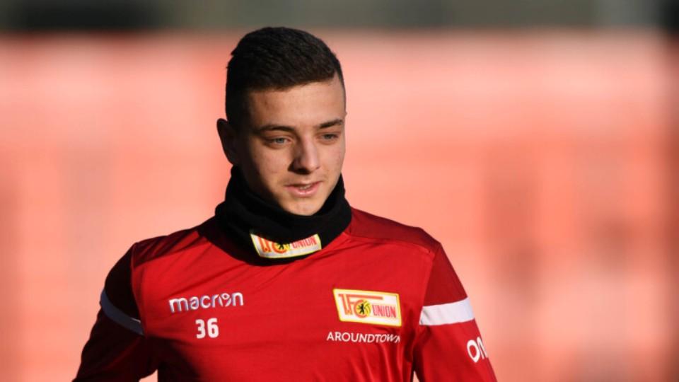 E thotë menaxheri, Bayern rivalizon me tre klube për një shqiptar