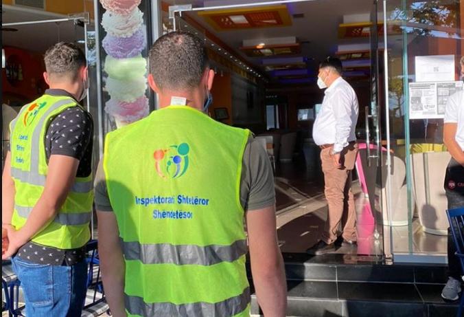 Shkelën protokollin e sigurisë/ ISHSH pezullon dy subjekte, gjobiten 5 bare dhe restorante