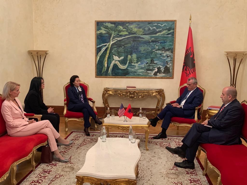 """""""Kushtet thelbësore për progresin e Shqipërisë"""", zbardhet takimi Ruçi-Kim"""
